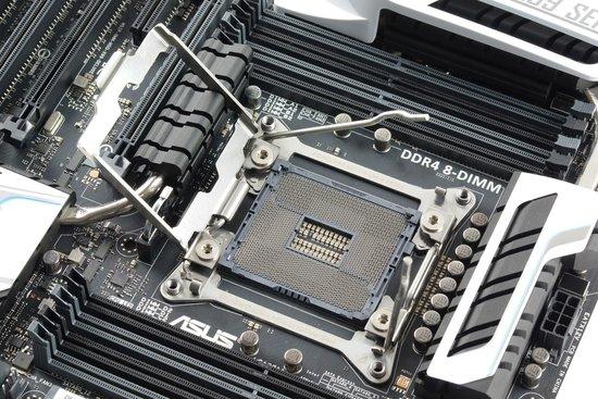 0226000007583213-photo-intel-x99-socket