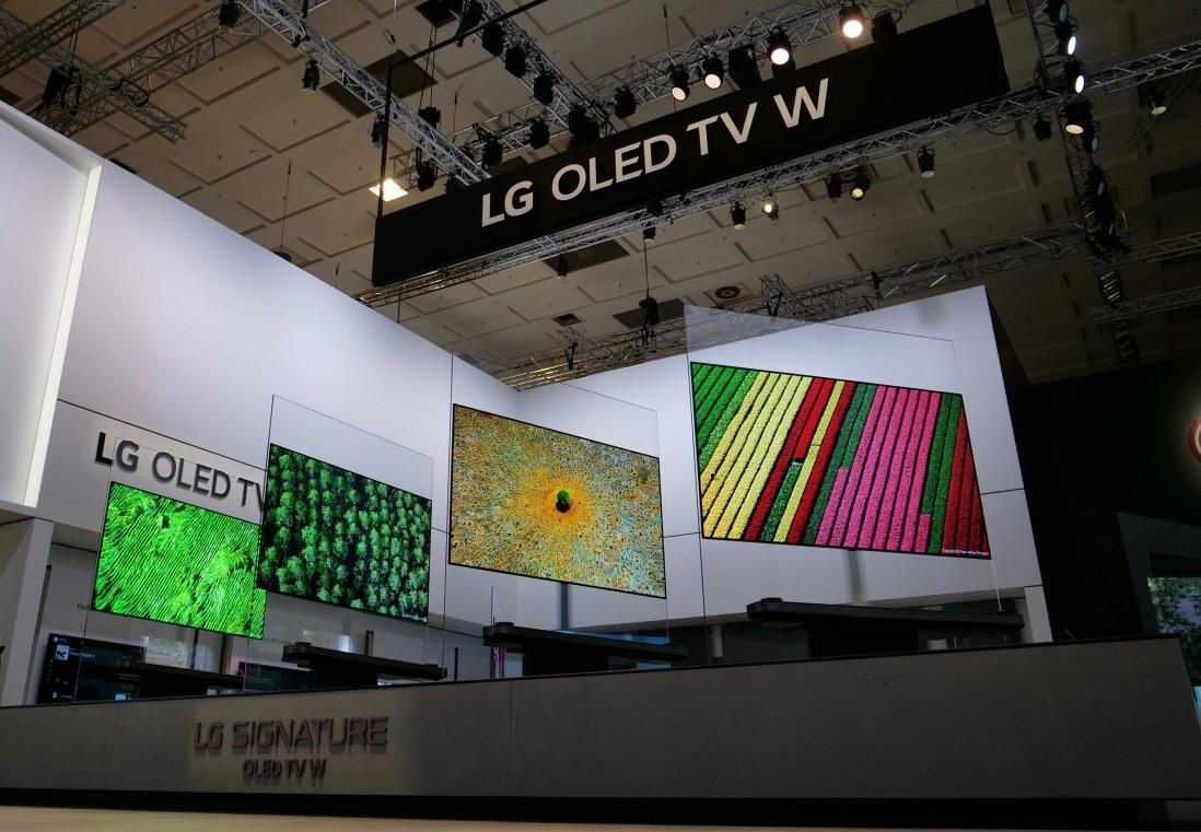 LG-SIGNATURE-TV-W_03